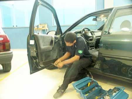 Consertos de Vidros Automotivos Preço no Sítio Boa Vista - Conserto de Vidro Automotivo